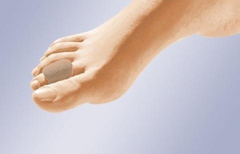 Защитная трубочка для пальцев стопы изготовлена из полимерного геля с тканевым покрытием. GL-106